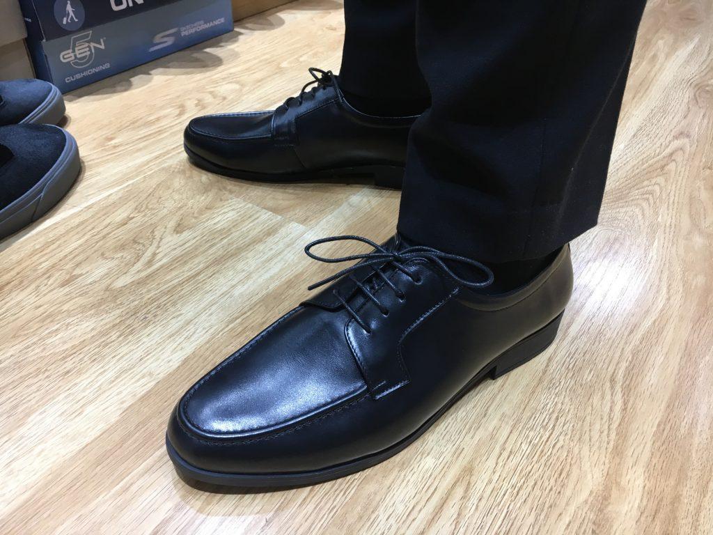 giày da ngoại cỡvn071 làm bằng da bò phù hợp cho anh em ngoại cỡ.